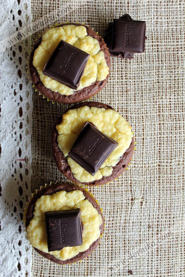 Шоколадные маффины с творогом