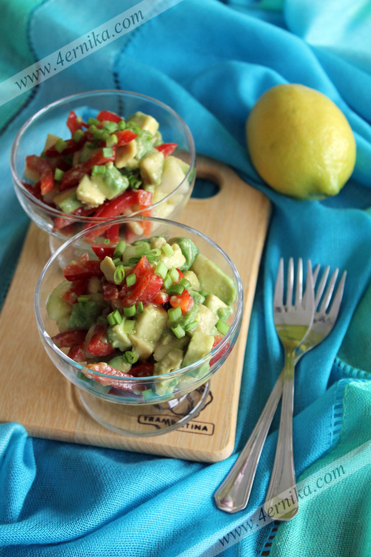 Салат из авокадо с грушами