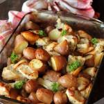 Куриное филе, запеченное с яблоками и картофелем