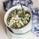 Салат из куриного филе с зеленым горошком