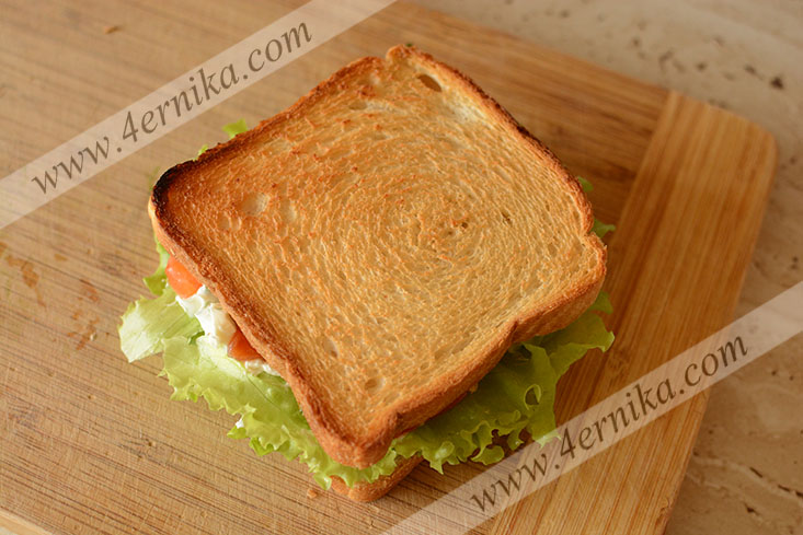 Сэндвич с малосольным лососем