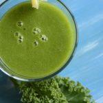 Зеленый смузи с манго и имбирем